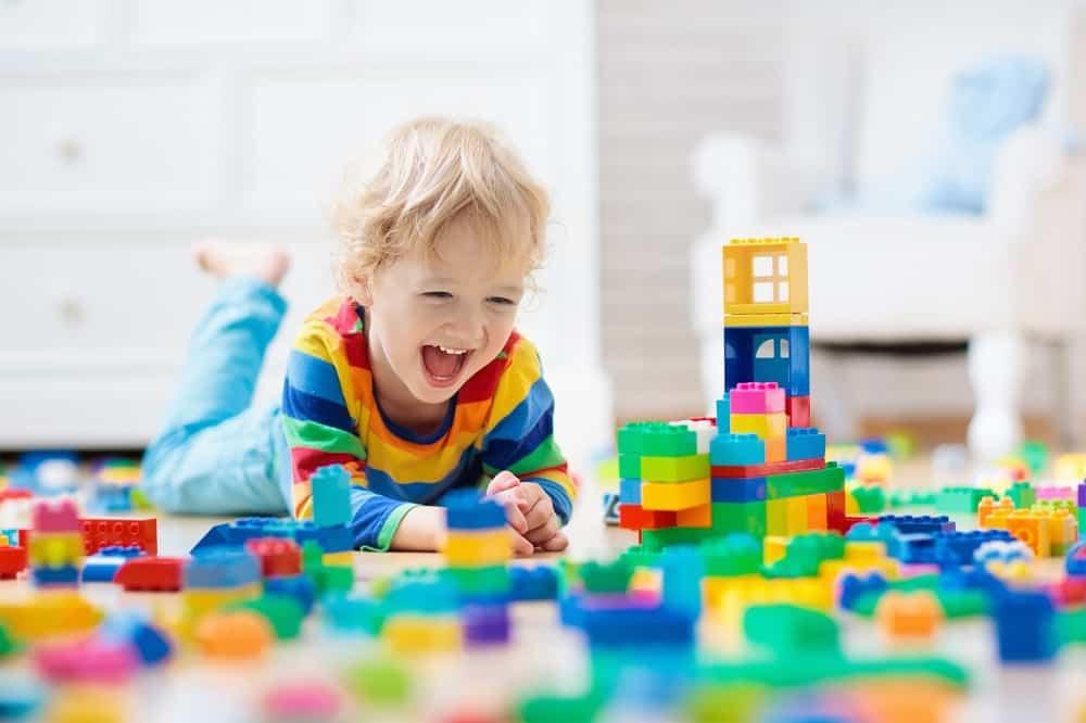 how kids play