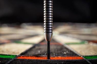the darts hitting perfect
